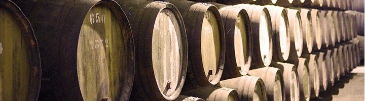 2011 Port Declaration - Port wine barrels - Lea and Sandeman