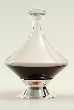 DIAMOND-TURN-DECANTER-With-Silver-Plated-Base-Stopper